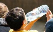 Upały groźne dla najmłodszych! Jak przetrwać gorący czas? Oto rady pediatry